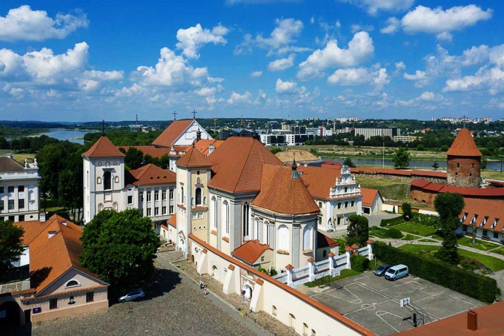 Trejybės bažnyčia ir Kauno pilis