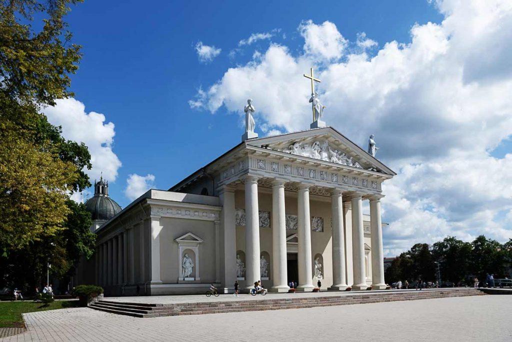 Vilniaus katedra vasarą
